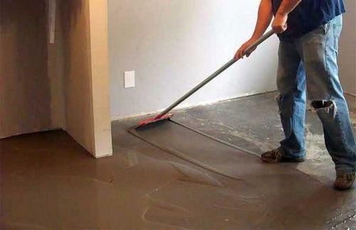 Ламинат укладка своими руками на бетонный пол
