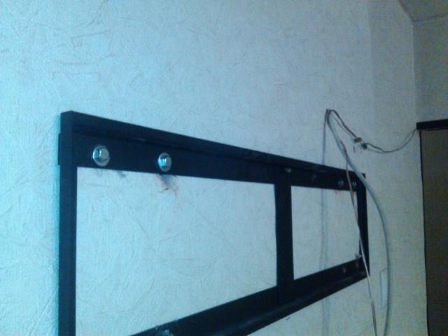 Своими руками повесить телевизор на стену