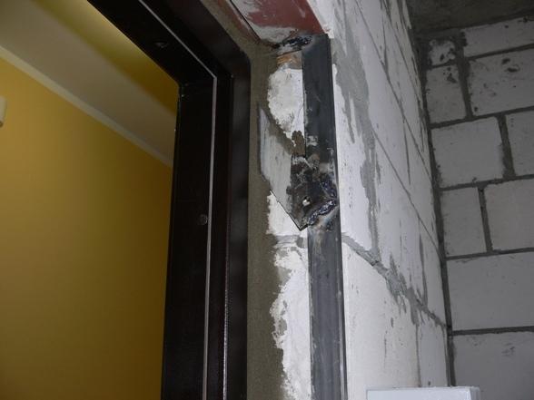 Установка входных дверей в пеноблок